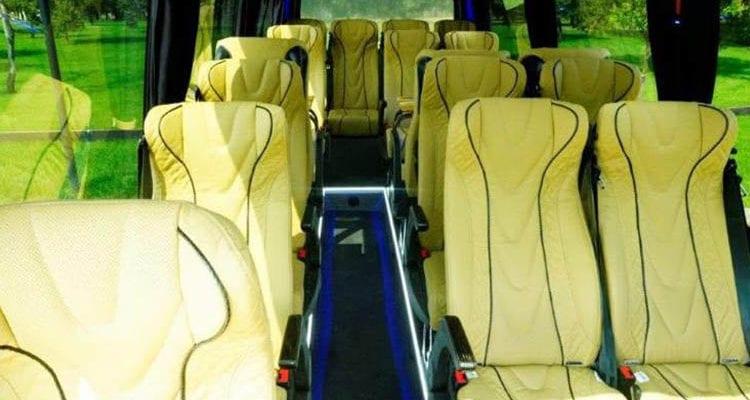 Noleggio con conducente Minibus MilanoNoleggio con conducente Minibus Milano